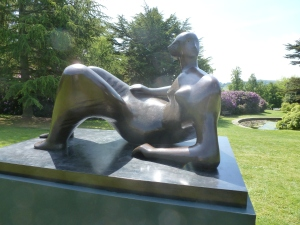 Henry Moore 2 by t r a c y f o x