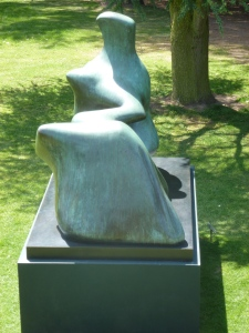 Henry Moore 3 by t r a c y f o x